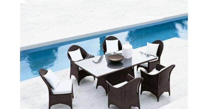 მაგიდა 4 ცალი სკამ სავარძლითა და 2 ცალი სკამით